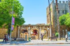 Hadrian ` s门曲拱在安塔利亚 库存照片