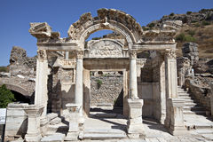 hadrian s tempel för ephesus Royaltyfria Bilder