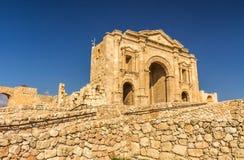 Hadrians port i den Jerash Jordanien Royaltyfri Fotografi