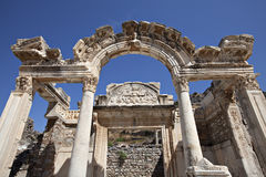 Hadrians tempel, Ephesus, Izmir, Turkiet Royaltyfri Bild