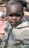 Hadza部落的婴孩特写镜头的画象 库存图片