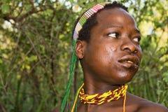 从Hadzabe丛林居民的特写镜头画象 免版税库存照片
