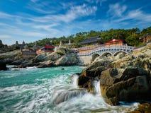 Haedong Yonggungsa寺庙 釜山,南韩 免版税库存图片