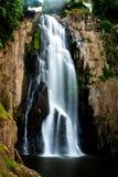 Haew-Narok vattenfall, Kao Yai nationalpark, Thailand Royaltyfri Fotografi