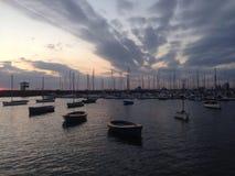 Hafen am Abend Lizenzfreie Stockfotos