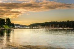 Hafen bei Sonnenuntergang Lizenzfreie Stockfotos