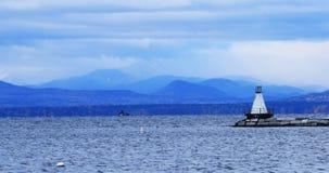 Hafen in Burlington, Vermont mit Leuchtturm 4K stock video footage