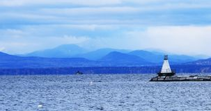 Hafen Burlingtons, Vermont mit Leuchtturm lizenzfreies stockbild