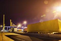 Hafen an der Nachtlangen Belichtung Lizenzfreie Stockfotos
