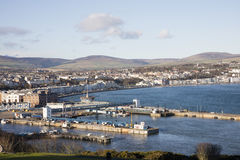 Hafen, Fährhafen und Stadt von Douglas Isle des Mannes stockbilder