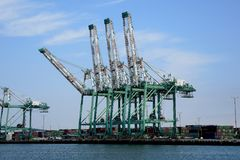 Hafen für ladende containres Stockfotografie