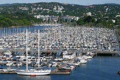 Hafen für Yachten Lizenzfreie Stockfotos