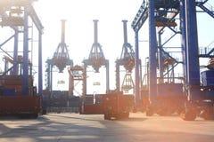 Hafen in Indonesien lizenzfreie stockbilder