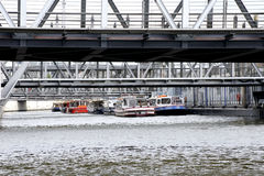 Hafen kreuzt Hamburg Lizenzfreie Stockfotografie