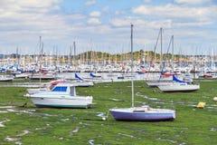 Hafen Lorient bei Ebbe Stockbild