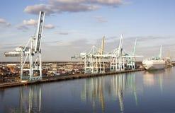 Hafen-Reflexionen stockfoto