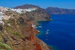 Hafen in Santorini mit Yachten Stockbilder
