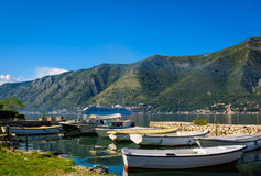 Hafen und Boote bei Boka Kotor bellen (Boka Kotorska), Montenegro, Europa Lizenzfreies Stockfoto