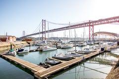 Hafen und Brücke in Lissabon-Stadt Lizenzfreie Stockfotografie