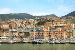 Hafen und Stadt og Genua, Italien. Stockfoto