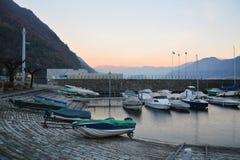 Hafen von Argegno stockbild