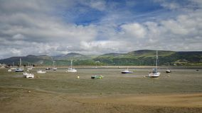 Hafen von Barmouth in Nord-Wales stock video