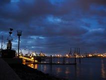 Hafen von Felixstowe nachts Lizenzfreie Stockbilder