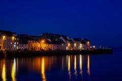 Hafen von Galway nachts stockfoto