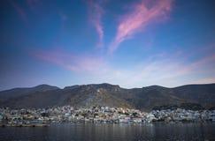 Hafen von Kalymnos dämmerung Stockfotos