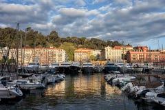 Hafen von Nizza bei Sonnenaufgang in Frankreich Stockbild