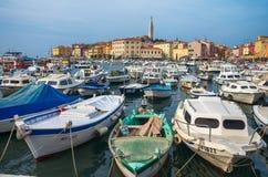 Hafen von Rovinj, Kroatien, adriatisches Meer Lizenzfreie Stockbilder