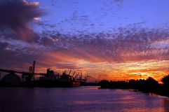 Hafen von Stockton bei Sonnenuntergang Stockbilder