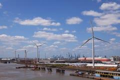 Hafen von Tilbury-Windkraftanlagen Stockbilder