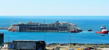 Hafen von voltri, Genua, Italien, am 27. Juli Annäherungsmann Lizenzfreie Stockfotos