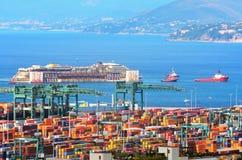 Hafen von voltri, Genua, Italien, am 27. Juli Annäherungsmann Lizenzfreie Stockbilder