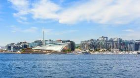 Hafenansicht in die Stadt von Oslo lizenzfreie stockbilder