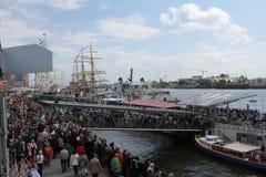 Hafengeburtstag Hambourg, Landungsbrückenn Photo stock