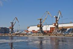 Hafenkräne Stockfoto
