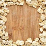 Hafer vereinbarten auf hölzernem Korn im quadratischen Format für Social Media, Fahnen und Hintergründe Lizenzfreies Stockfoto