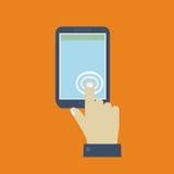 Haga clic en el teléfono móvil de la pantalla Fotos de archivo libres de regalías