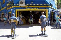 Haga compras en el La Bombonera del estadio en el La Boca, Buenos Aires, la Argentina Imagen de archivo libre de regalías