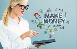 Haga el texto del dinero con la mujer de negocios Fotografía de archivo