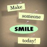 Haga que alguien sonríe hoy citan decir el tablón de anuncios Fotos de archivo libres de regalías