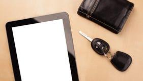 Haga tabletas la PC con el espacio vacío y una taza de café en un escritorio Fotografía de archivo