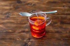 Haga un té de la fruta fotografía de archivo libre de regalías