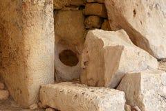 Hagar Qim和Mnajdra寺庙门和Windows  图库摄影