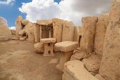 Hagar Qim和Mnajdra寺庙门和Windows  免版税库存照片