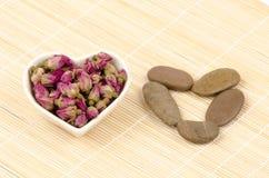 Hagebutte-Tee (Rosa-roxburghii tratt) Lizenzfreie Stockfotografie