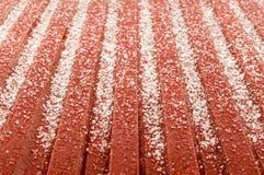 Hagelisregn på ett rött korrugerat tenn- tak Fotografering för Bildbyråer