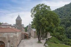 Haghartsin是位于亚美尼亚的塔武什省地区的亚美尼亚修道院伊杰万山脉的树木繁茂的谷的 库存图片